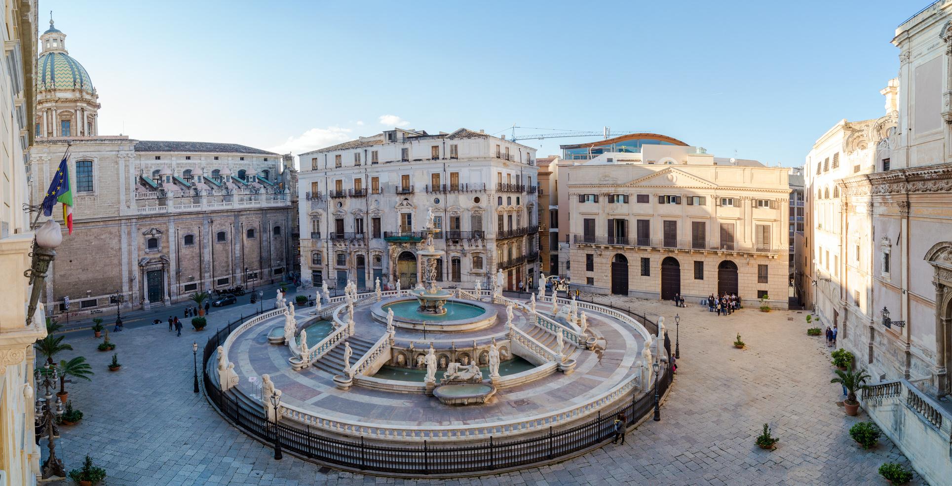Palermo, Piazza della Vergogna